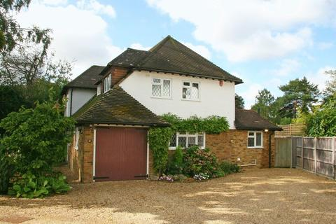 4 bedroom detached house to rent - Mayflower Way, Farnham Common, Buckinghamshire SL2