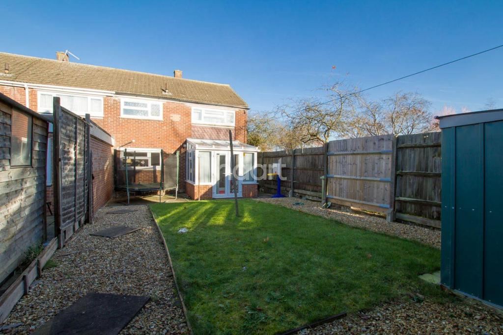 3 Bedrooms End Of Terrace House for sale in Close To Bletchley School