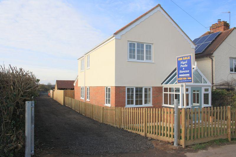 3 Bedrooms Detached House for sale in North End, Pinvin