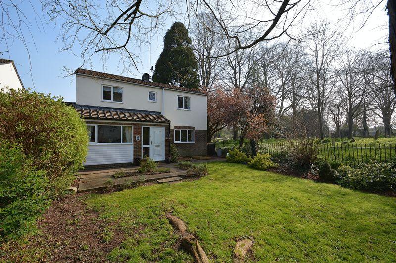 4 Bedrooms Detached House for sale in St Leonards Close, Watlington