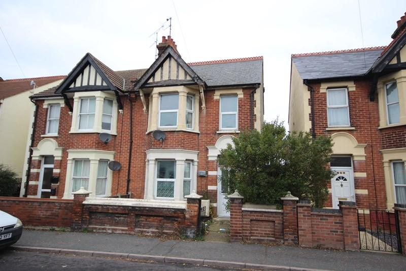 3 Bedrooms Semi Detached House for sale in St Osyth Road, CLACTON ON SEA