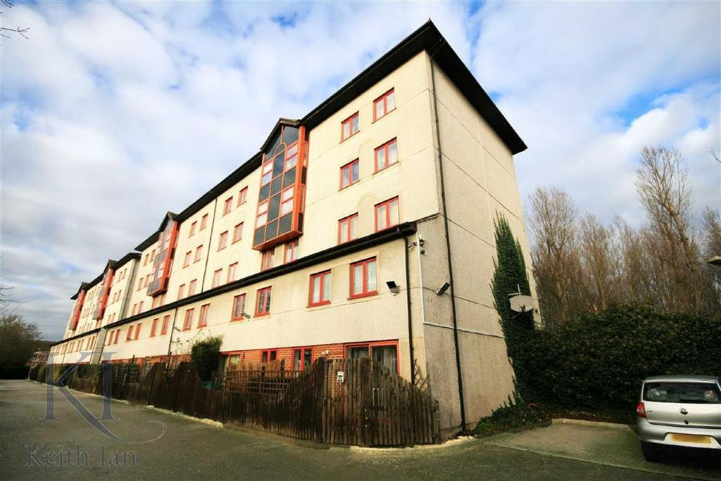 2 Bedrooms Maisonette Flat for sale in Castile Court, Waltham Cross