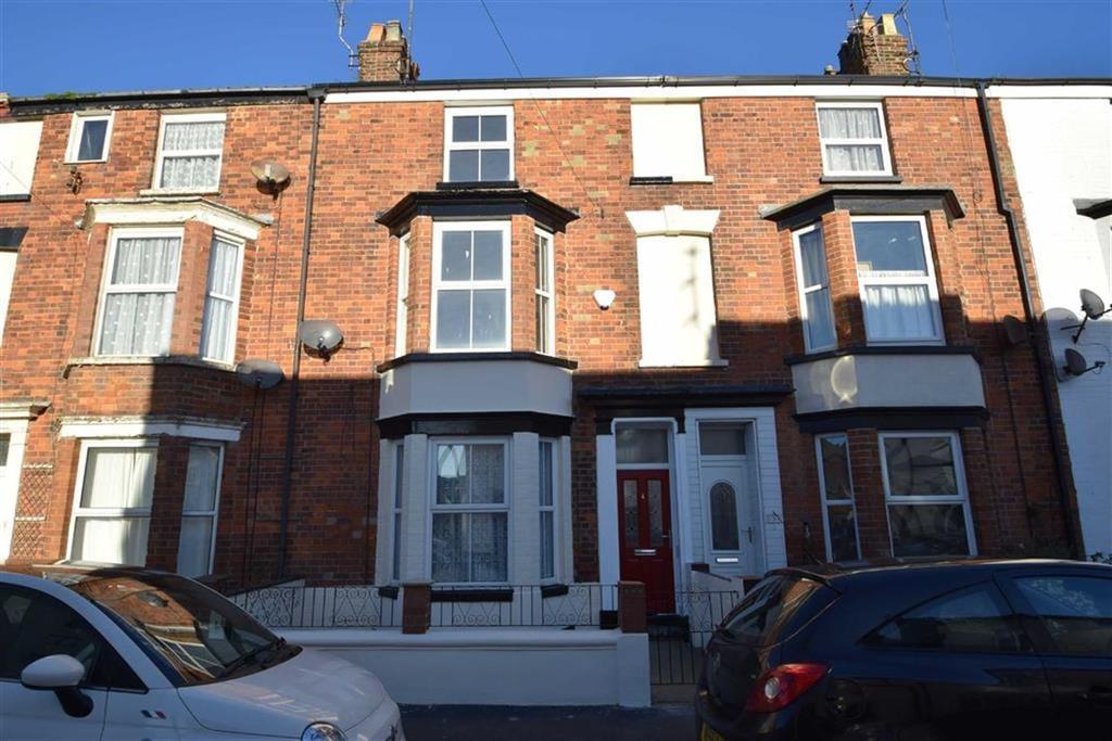 4 Bedrooms Terraced House for sale in Ferndale Terrace, Bridlington, East Yorkshire, YO15