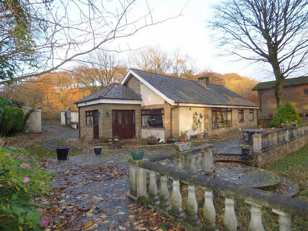 3 Bedrooms Detached Bungalow for sale in Town House Road, Littleborough, Lancashire, OL15