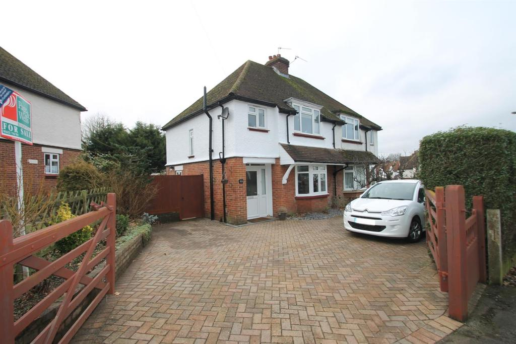 3 Bedrooms Semi Detached House for sale in Upper Road, Maidstone