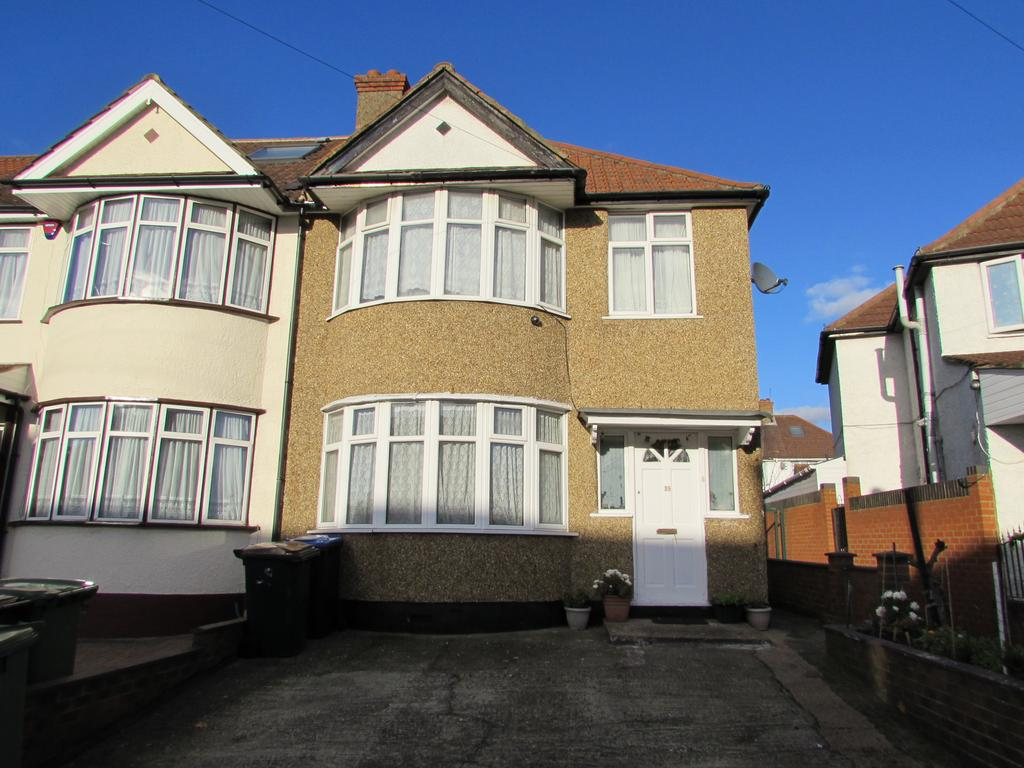 3 Bedrooms End Of Terrace House for sale in Woodside Close, Wembley, Middlesex HA0