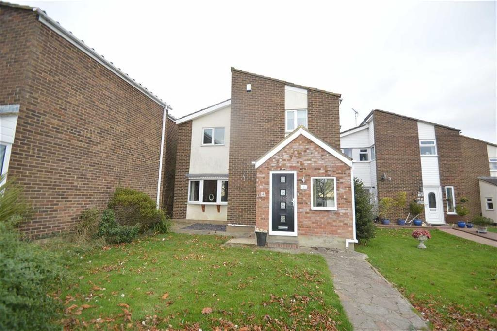 4 Bedrooms Detached House for sale in Chestnut Path, Canewdon, Essex
