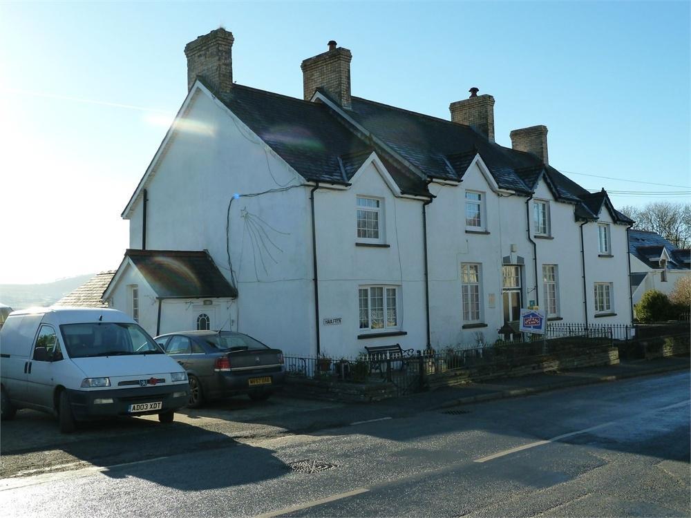 3 Bedrooms Semi Detached House for sale in Haulfryn, Newchapel, Boncath, Pembrokeshire