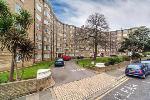 1 bedroom apartment to rent - Furzecroft, Furze Hill, Hove, BN3