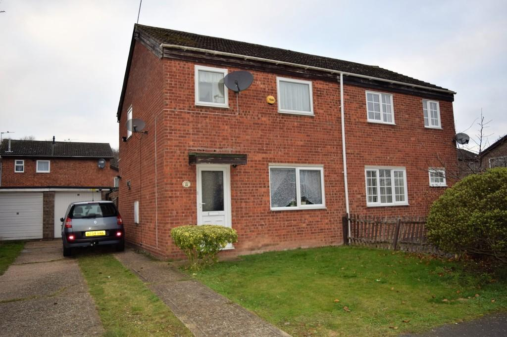 3 Bedrooms Semi Detached House for sale in Shelley Way, Thetford