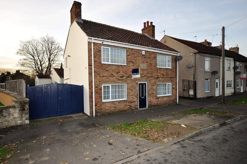 4 Bedrooms Detached House for sale in Hatfield Road, Thorne, Doncaster