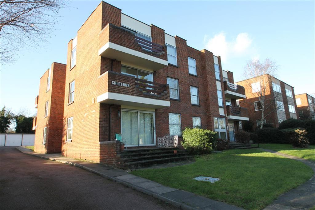 2 Bedrooms Flat for sale in The Chilterns, Sidcup, Kent, DA14 6TS