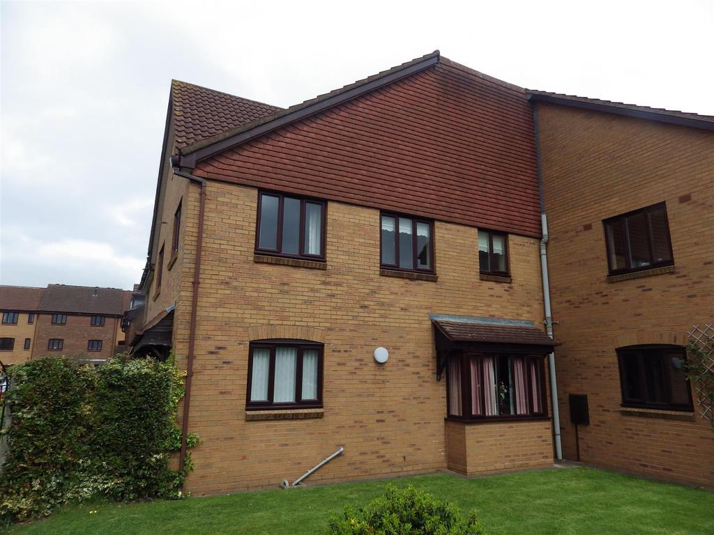2 Bedrooms Flat for sale in Glass House Hill, Oldswinford, Stourbridge