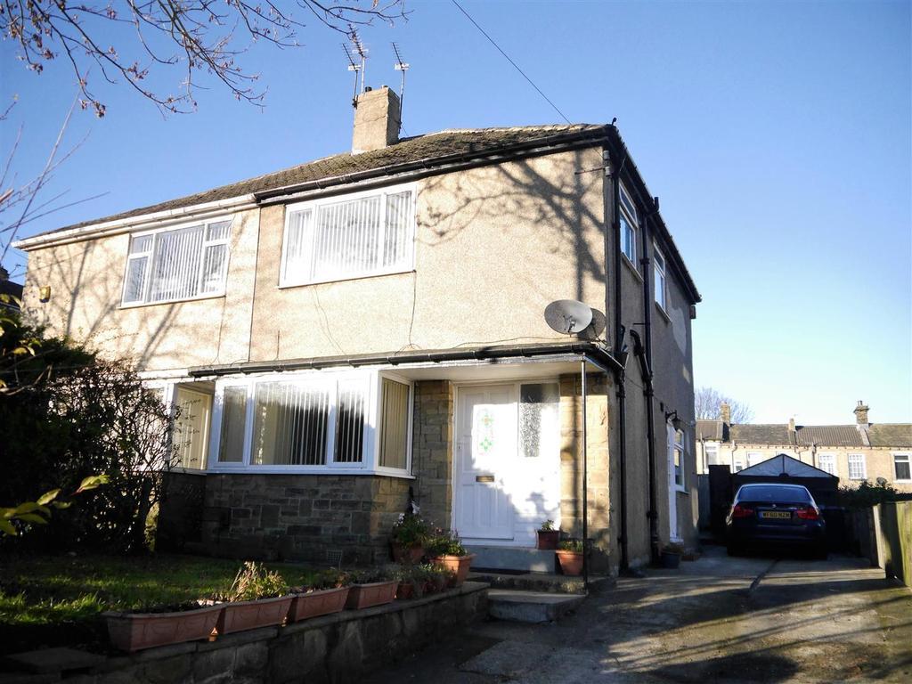 3 Bedrooms Semi Detached House for sale in Bradford Road, Clayton, Bradford, BD14 6DN