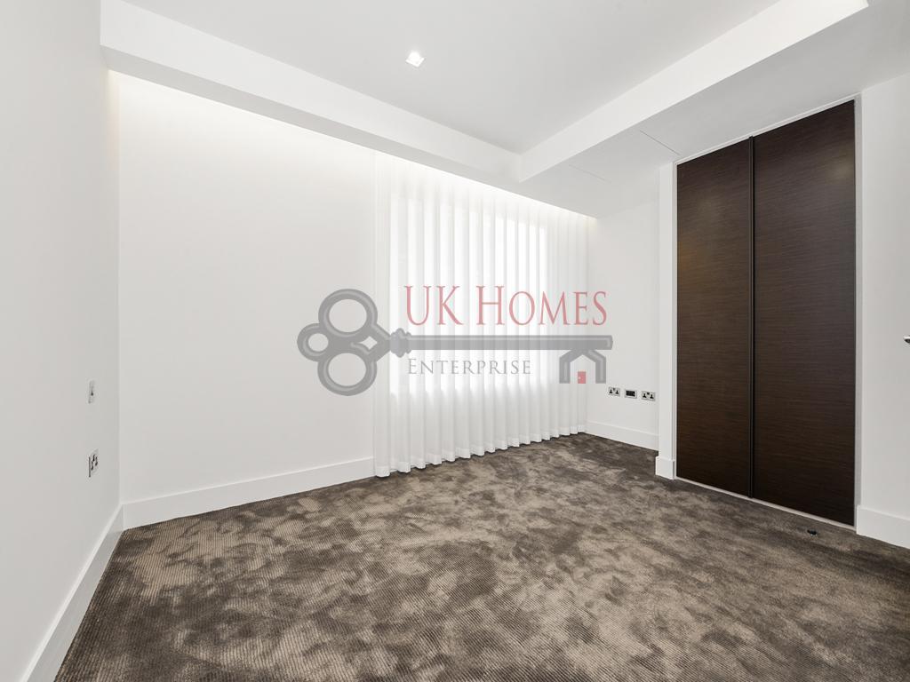3 Bedrooms Flat for sale in The Corniche, Albert Embankment