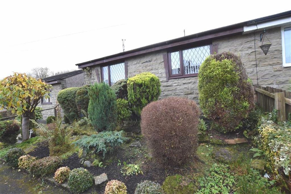 2 Bedrooms Bungalow for sale in Clevelands Road, Burnley, Lancashire