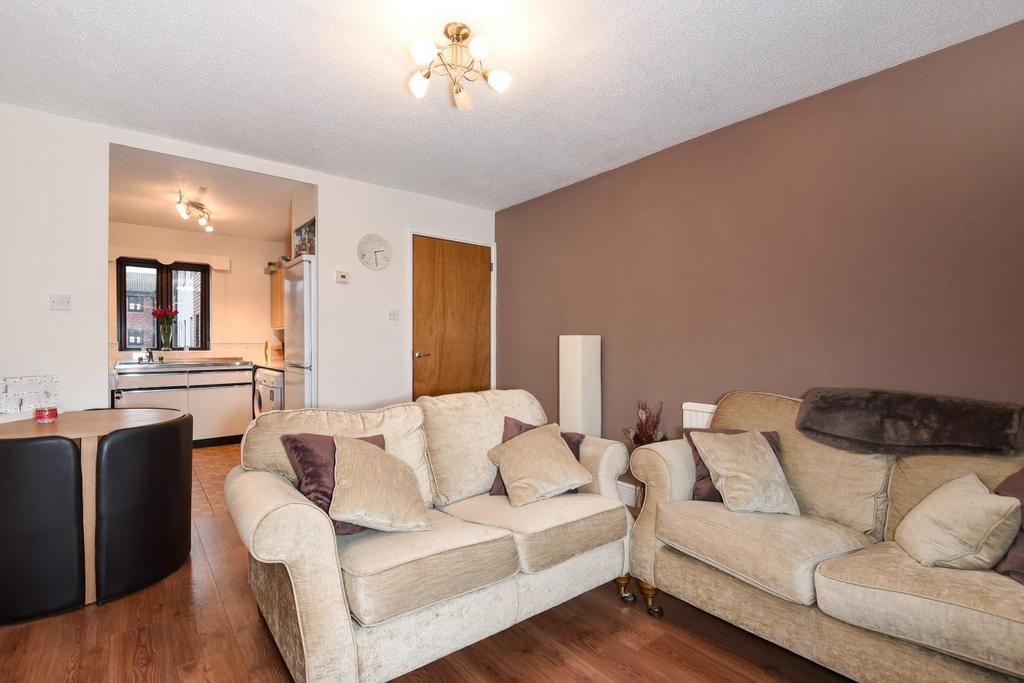1 Bedroom Flat for sale in Buttermere Close, Lower Morden, SM4