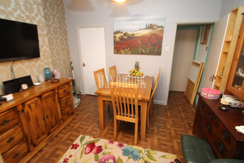 3 Bedrooms Terraced House for sale in Eastwood Mount, Clifton
