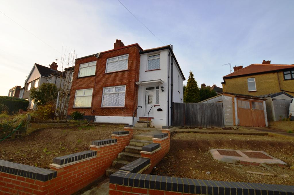 3 Bedrooms Semi Detached House for sale in Warland Road Plumstead SE18