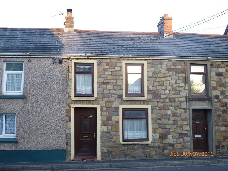 2 Bedrooms Terraced House for sale in Cwmamman Road, Glanamman, Ammanford, Carmarthenshire.