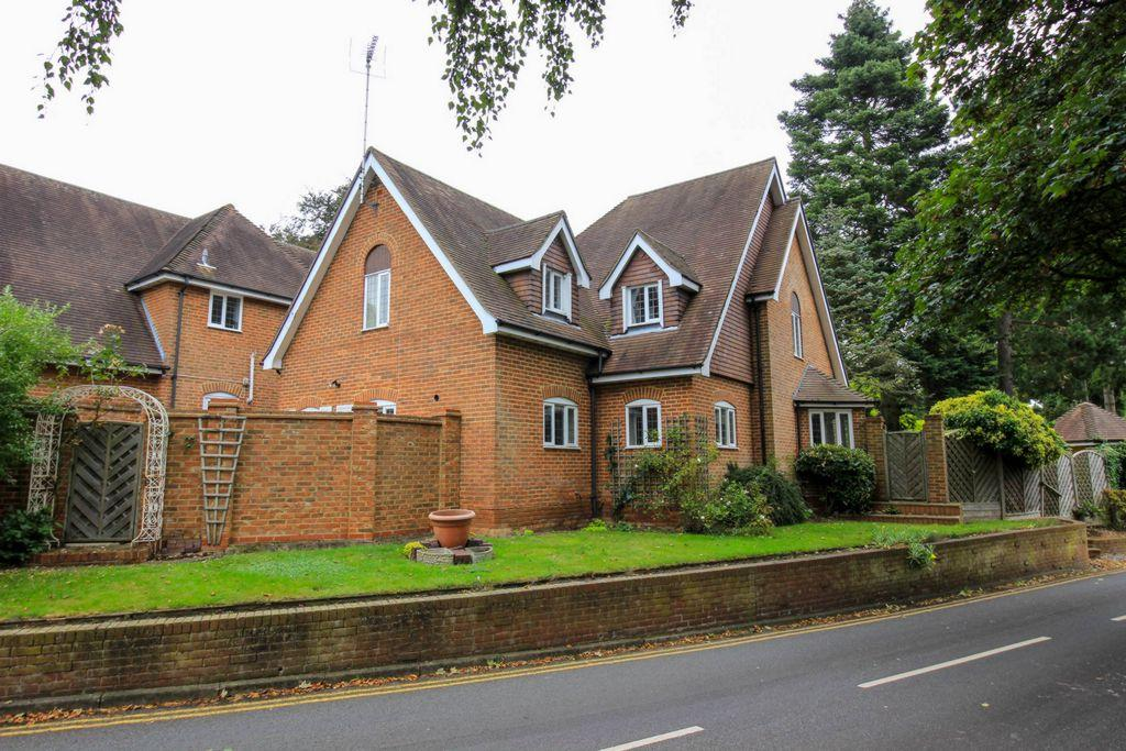 4 Bedrooms House for sale in Wendover Court, Welwyn, AL6