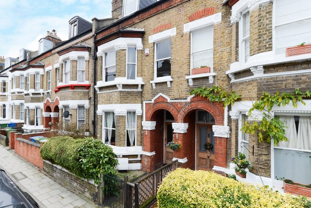 4 Bedrooms House for sale in Shenley Road, London, SE5