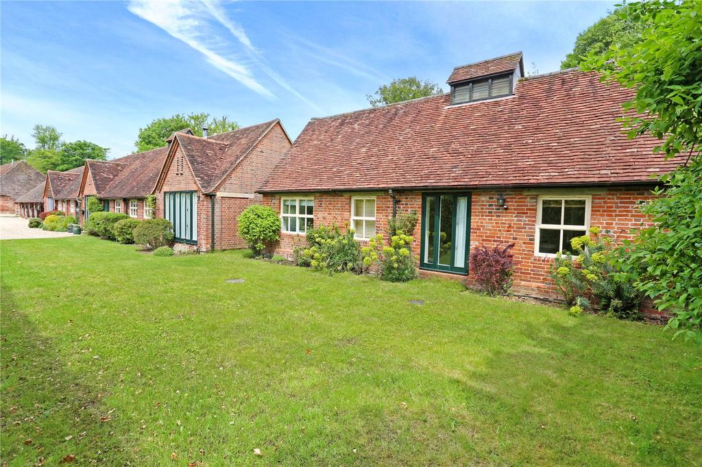 4 Bedrooms Barn Conversion Character Property for sale in Hackwood Park, Basingstoke, Hampshire