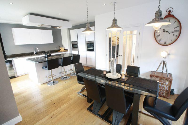 4 Bedrooms Semi Detached House for sale in Harlsey Road, Hartburn, Stockton, TS18 5DL