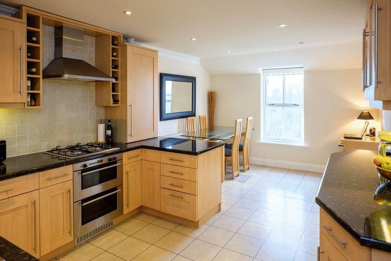 2 Bedrooms Apartment Flat for sale in Ryton Hall, Ryton