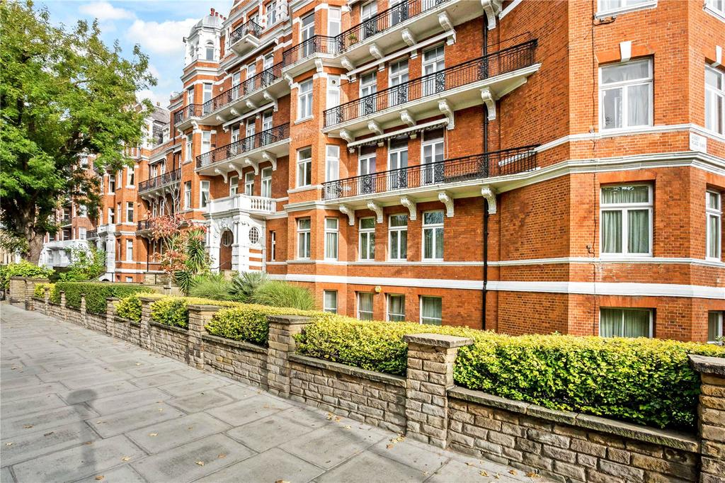 4 Bedrooms Flat for sale in Neville Court, Abbey Road, St Johns Wood, London, NW8
