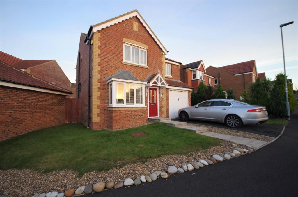 4 Bedrooms Detached House for sale in Aspen Grove, Seaham, SR7
