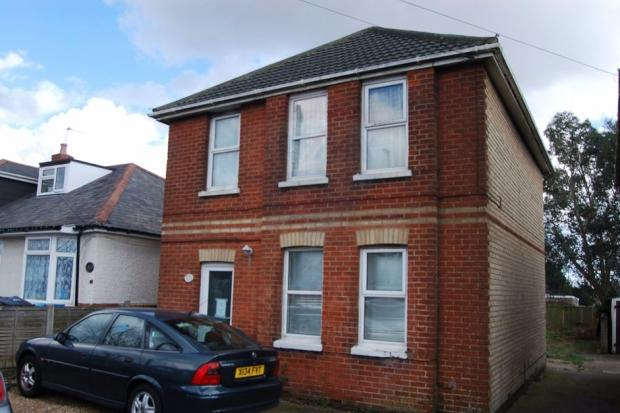 3 Bedrooms Detached House for sale in Ringwood Road, Poole, BH12