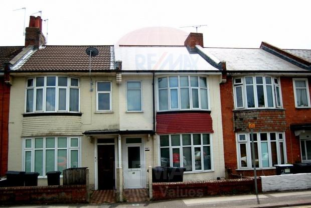 2 Bedrooms Flat for sale in St. Clements Road, Bournemouth, BH1