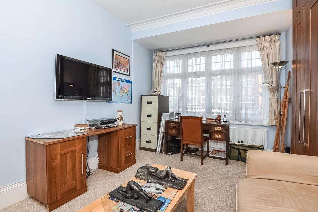 2 Bedrooms Flat for sale in Granville Road, North Finchley, N12