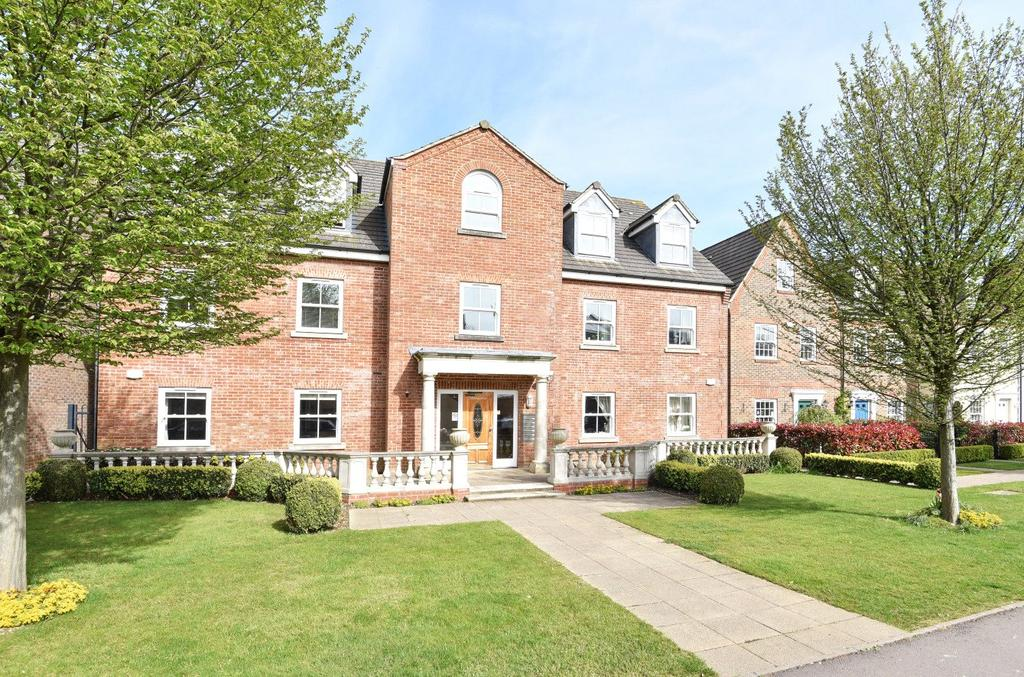 2 Bedrooms Flat for sale in Summersdale Road, Chichester, West Sussex