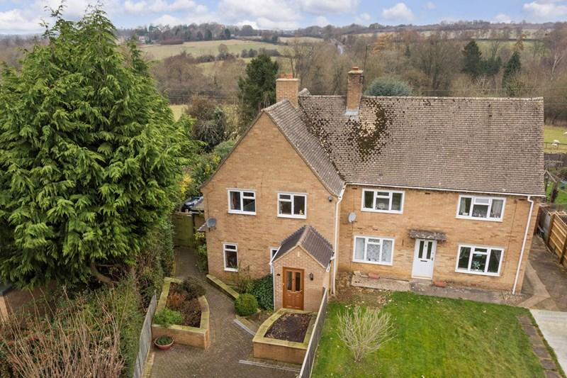 3 Bedrooms Semi Detached House for sale in Cleveley Road, Enstone, Chipping Norton