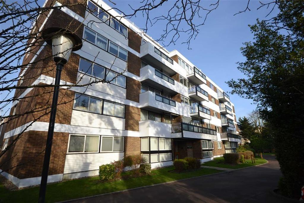 3 Bedrooms Flat for sale in Oakleigh Road North, Whetsone, London