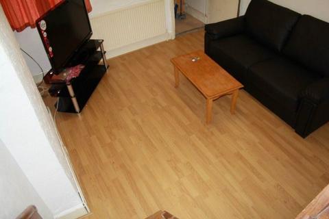 3 bedroom house to rent - 227 Hubert Road, B29 6ES