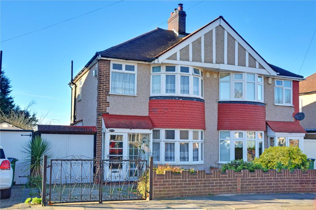 3 Bedrooms Semi Detached House for sale in Mayday Gardens, Blackheath, London, SE3