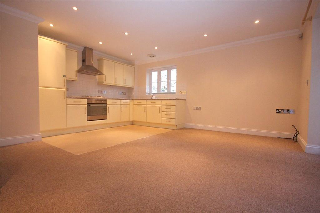 2 Bedrooms Flat for sale in Smythe Gardens, Station Road, Sway, Lymington, SO41