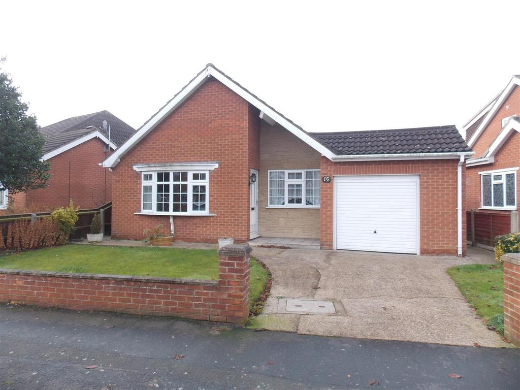 3 Bedrooms Detached Bungalow for sale in Archer Road, Waltham, Grimsby