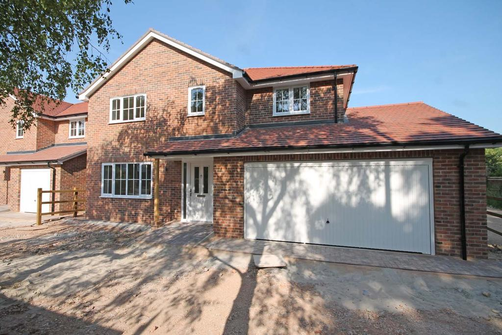 4 Bedrooms Detached House for sale in Locks Heath SO31
