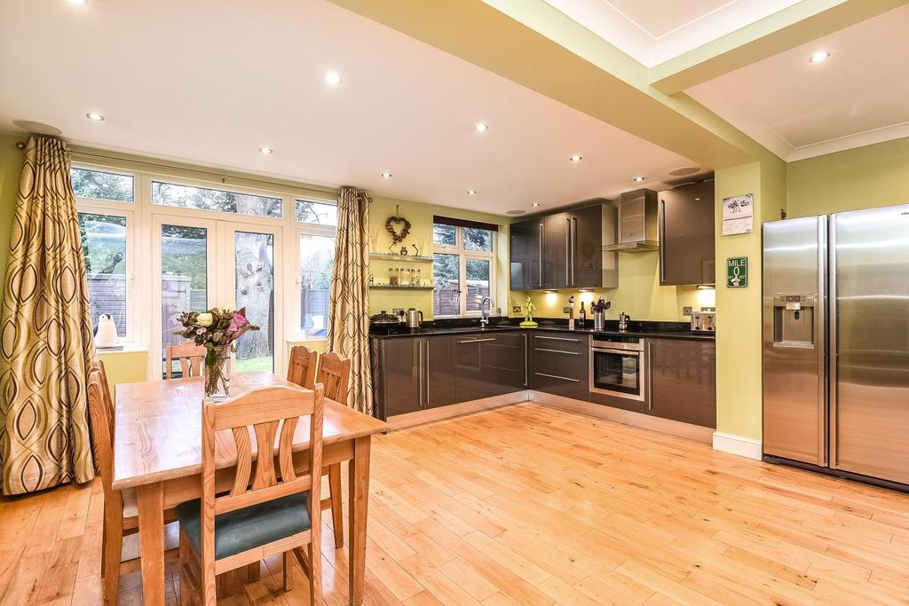 4 Bedrooms Semi Detached House for sale in Croft Avenue, West Wickham, BR4