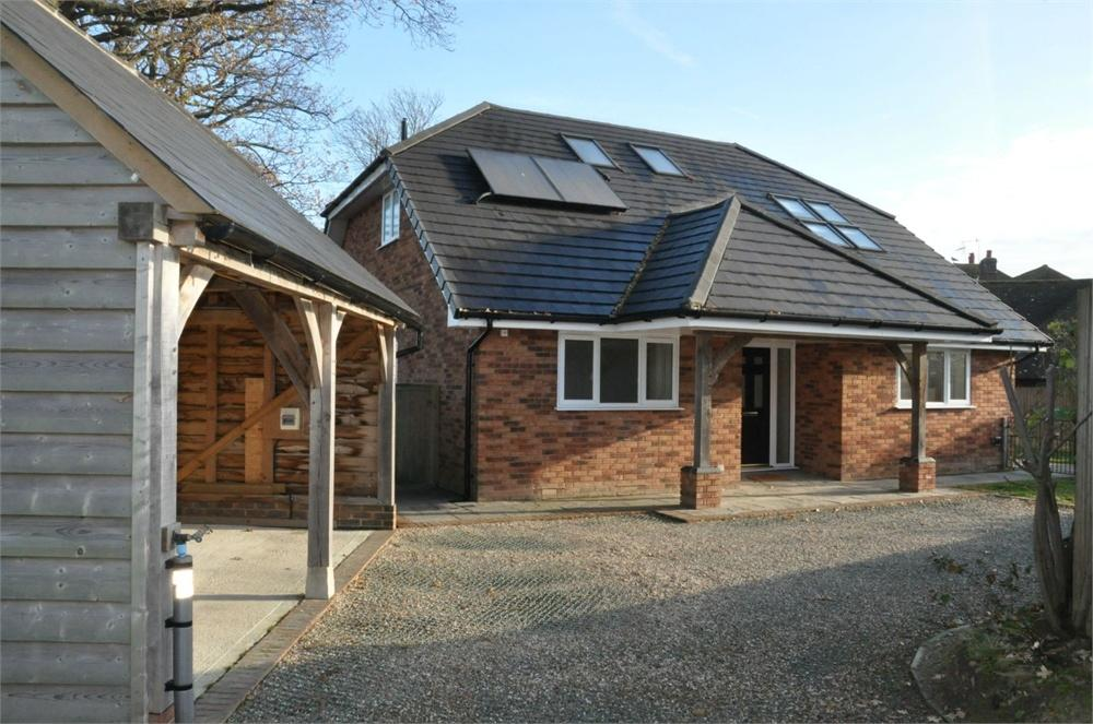6 Bedrooms Detached House for sale in Gatelands Drive, Bexhill-On-Sea