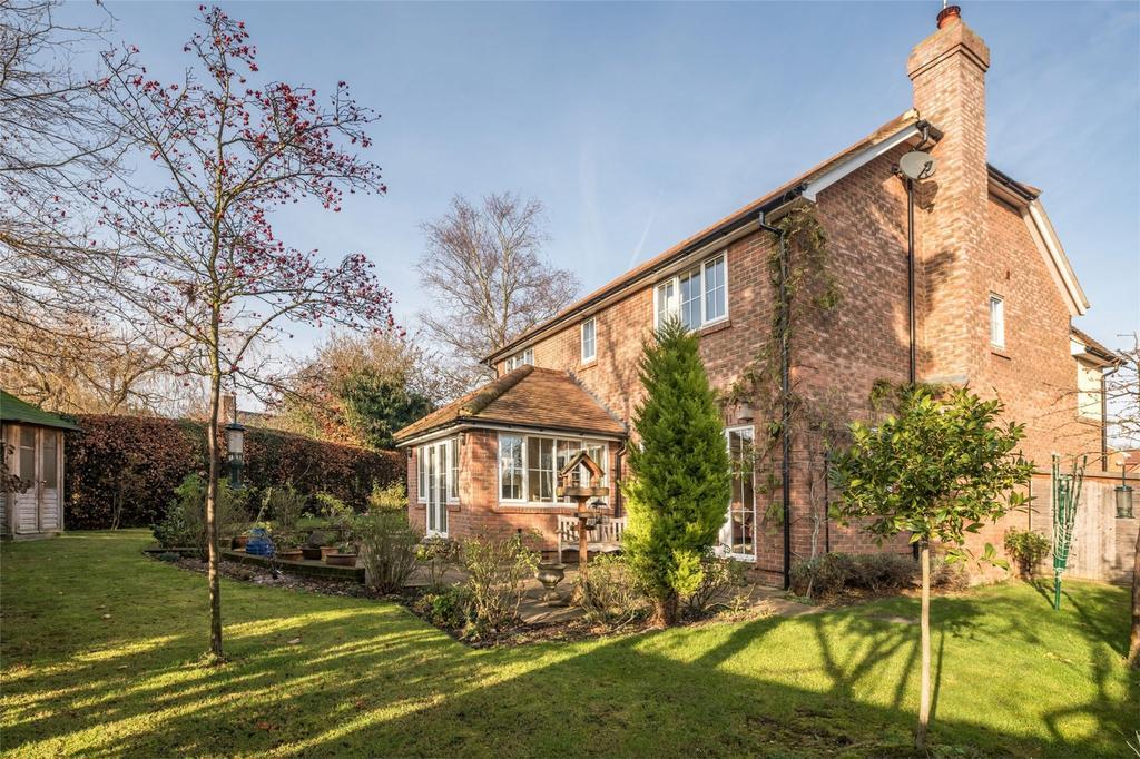 4 Bedrooms Detached House for sale in Devey Close, KNEBWORTH, Hertfordshire