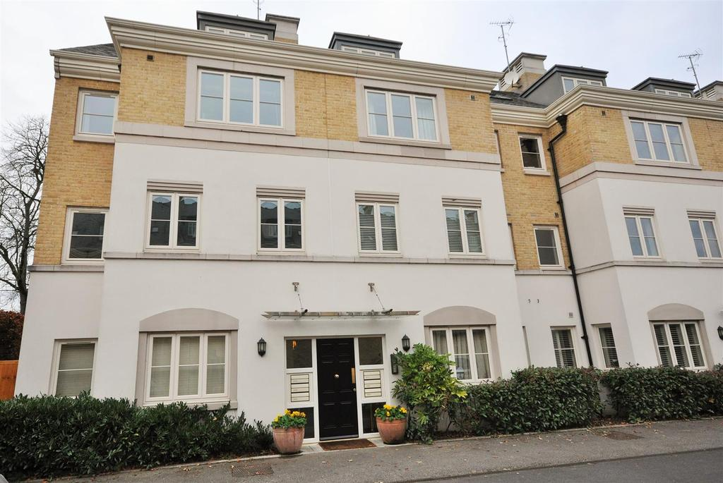 3 Bedrooms Apartment Flat for sale in The Square, Tadcaster Road, York