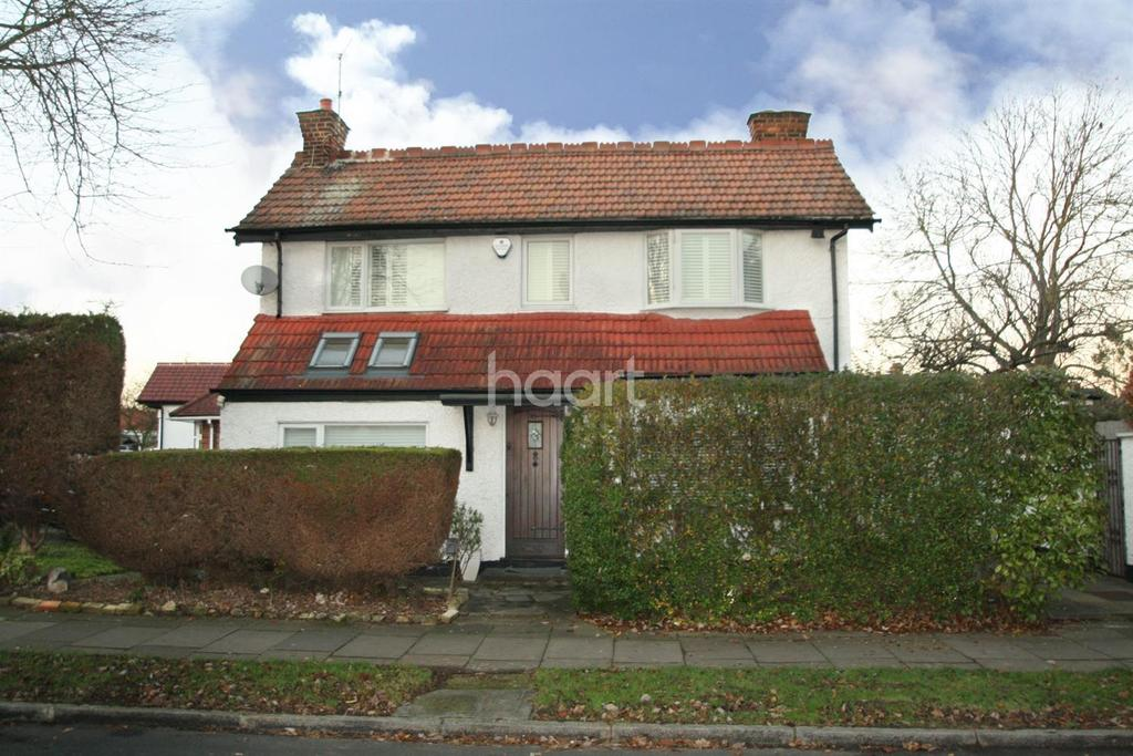 3 Bedrooms Detached House for sale in Charterhouse Avenue, Wembley