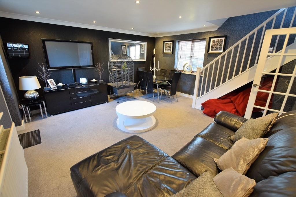 3 Bedrooms Semi Detached House for sale in Coalport Close, Church Langley