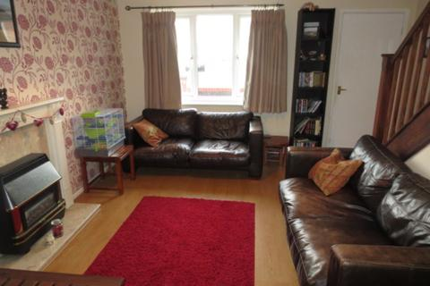 2 bedroom semi-detached house to rent - Windmill Avenue, Salford