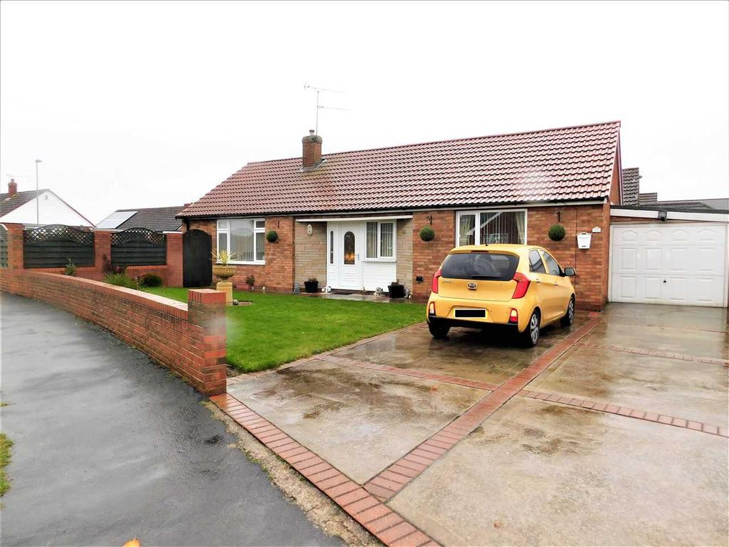 3 Bedrooms Bungalow for sale in KEALHOLME ROAD, MESSINGHAM, SCUNTHORPE